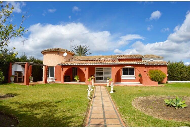 Detached Villa in Costalita R2816054