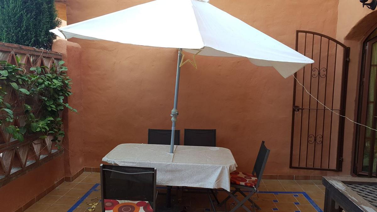 2 Bedroom Ground Floor Apartment For Sale Benahavís