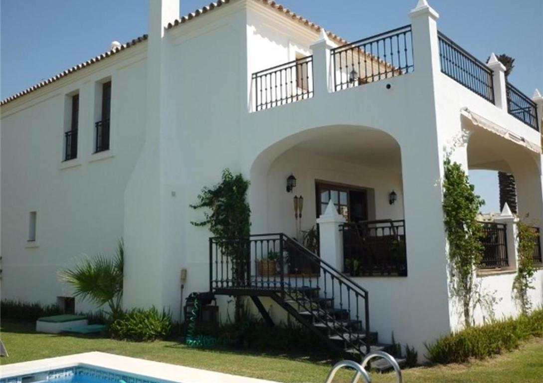 Villa 3 Dormitorios en Venta Selwo