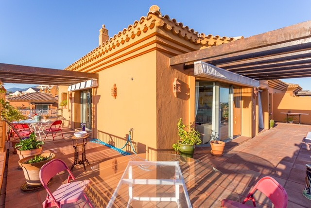 THE PROPERTY  Delighted to present this magnificent penthouse with magnificent panoramic  and sea vi,Spain