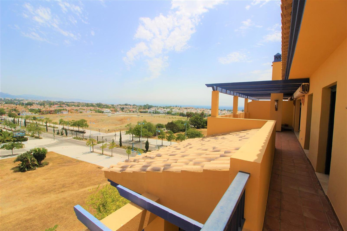 Impressive apartment located in the best urbanization of San Pedro Playa. 148 m² useful, 95 m2 terra,Spain