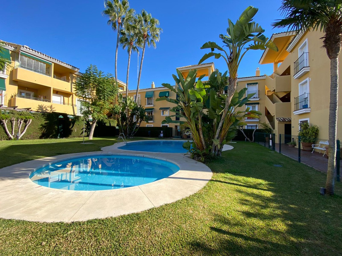 Nice first floor apartment located in Guadalmina Baja, next to the golf course and close to all kind,Spain
