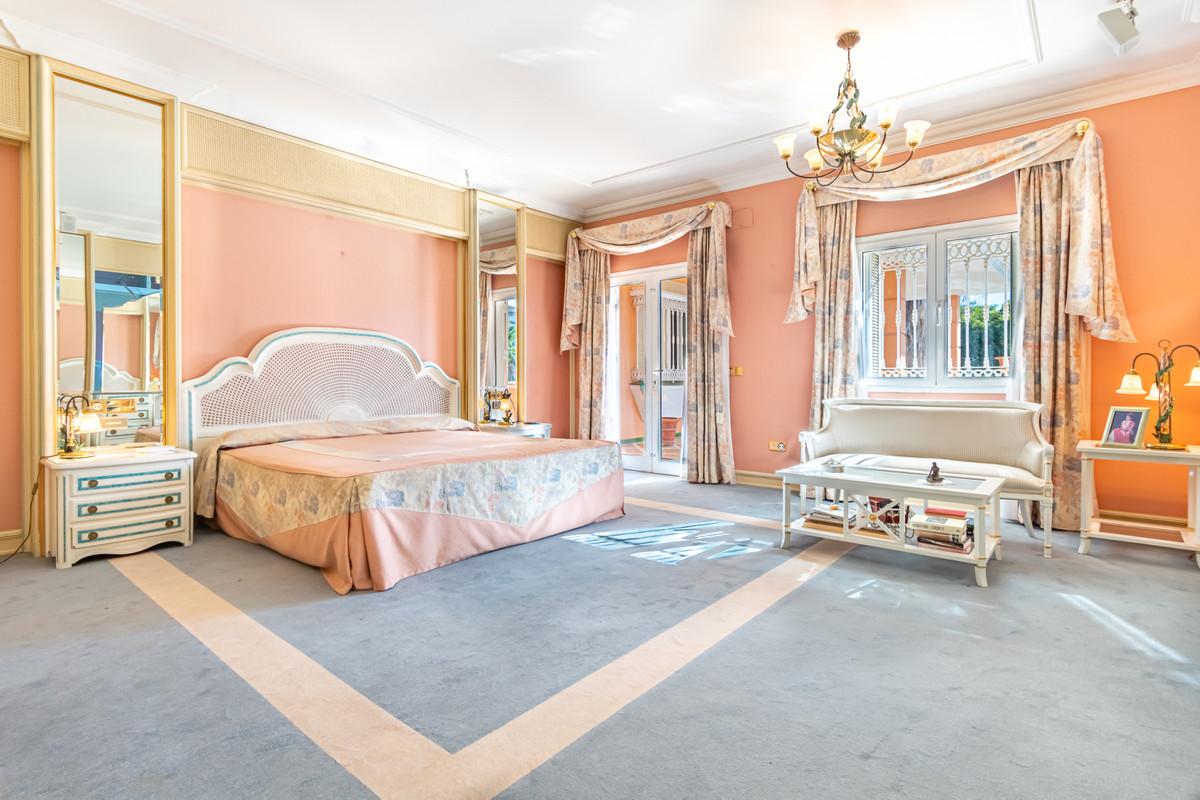 Villa con 6 Dormitorios en Venta Mijas Golf