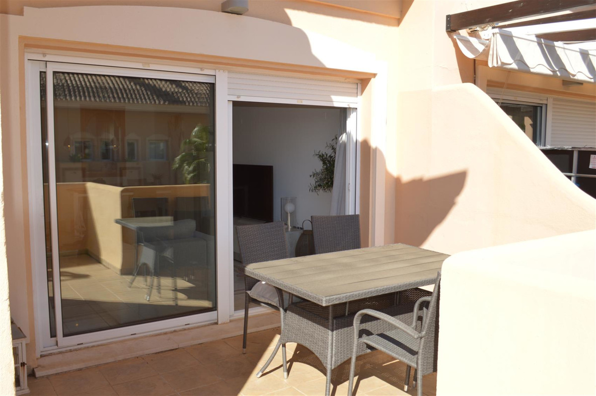 Apartment Middle Floor in Nueva Andalucía, Costa del Sol