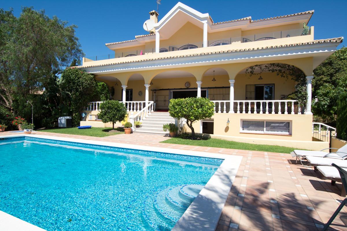 House en El Paraiso R2738222 1