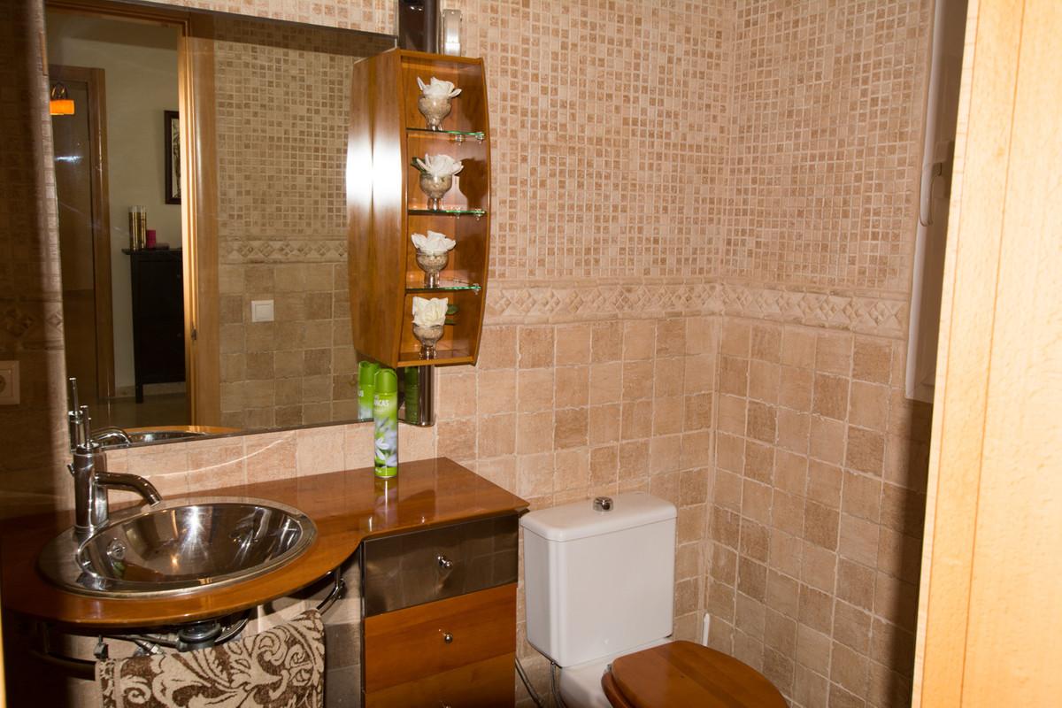 House in El Paraiso R2738222 17