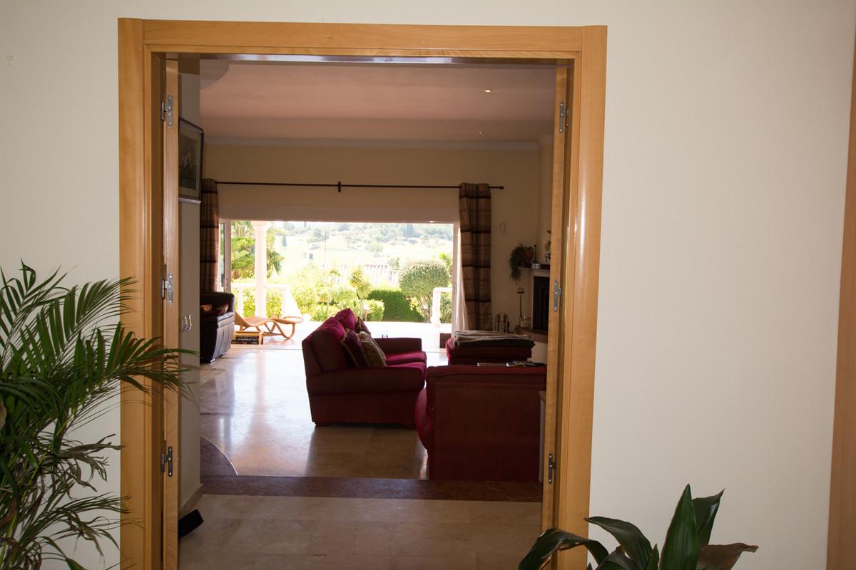House in El Paraiso R2738222 18