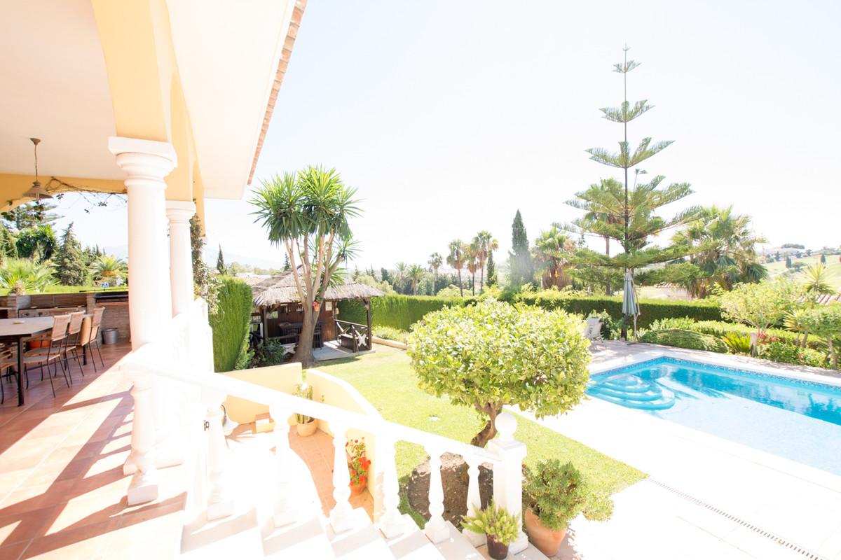 House in El Paraiso R2738222 47