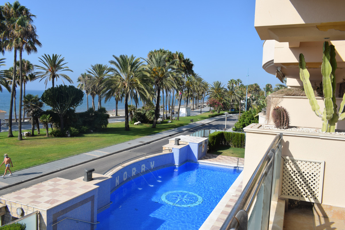 Apartment for sale on San Pedro beach promenade! Situated in the prestigious Noray Playa building, a,Spain