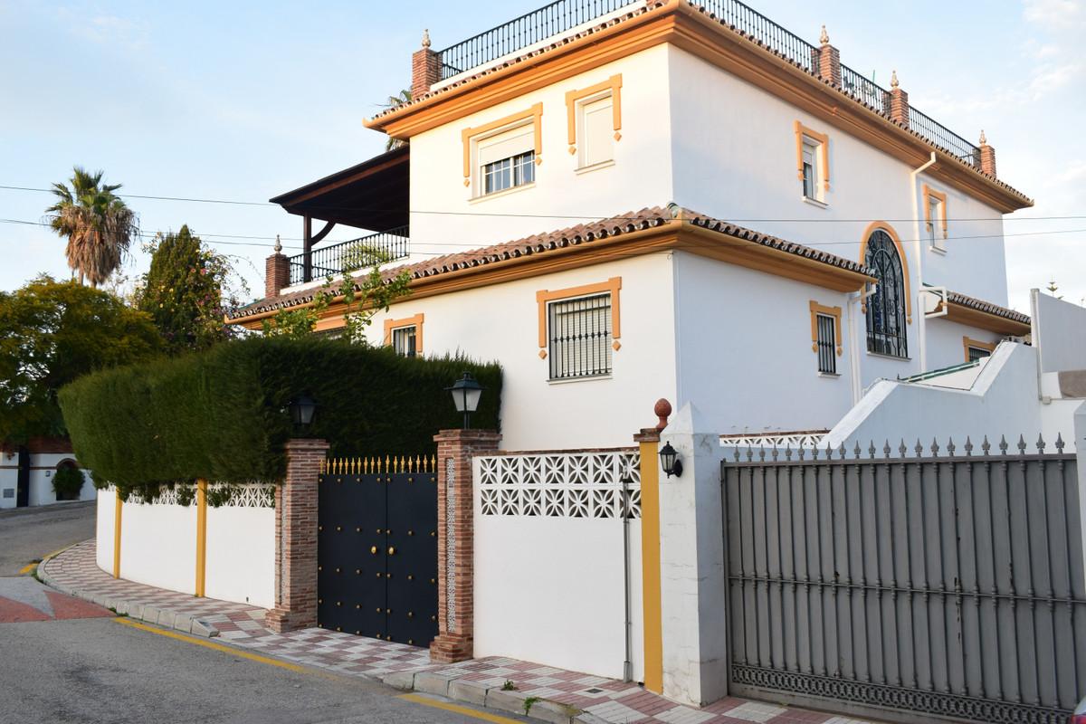Detached Villa for sale in San Pedro de Alcántara R3599978