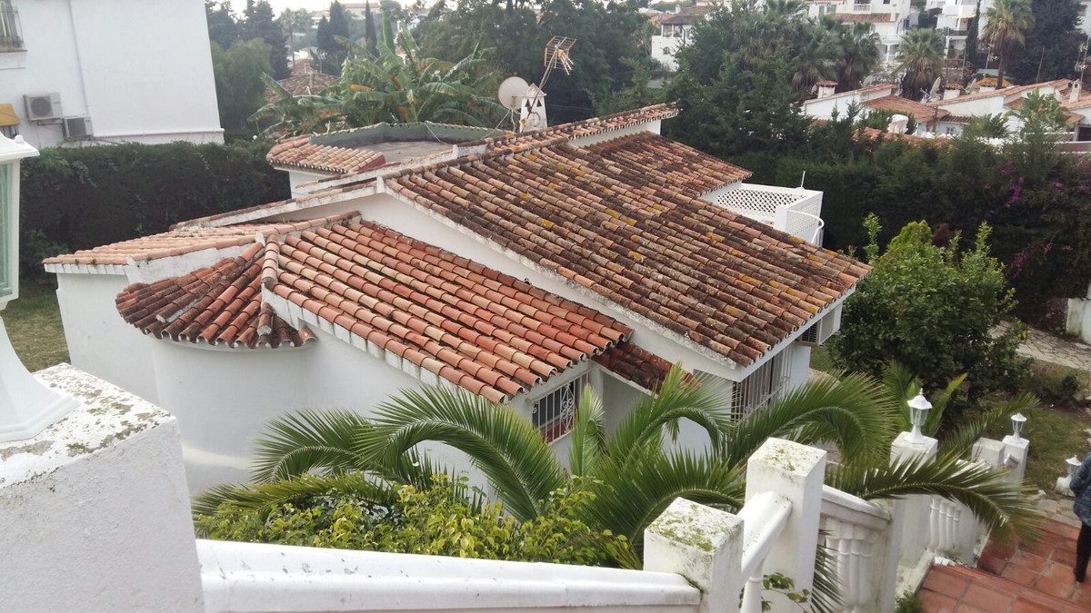 Great traditional house in a prime locaition of Nueva Andalucia, Marbella. Nice property with mature,Spain