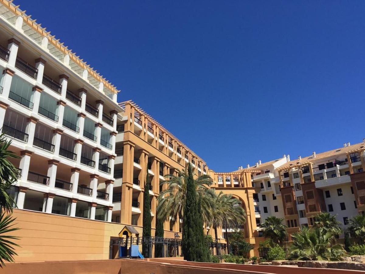 Apartamento Planta Media en venta en San Pedro de Alcántara R3508819