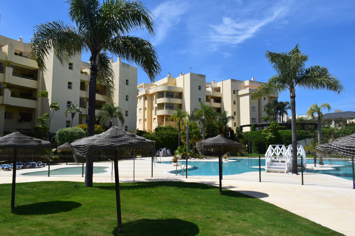 Lovely 2 bedroom, 2 bathroom ground floor apartment located in a luxury complex Myramar del Sol just,Spain