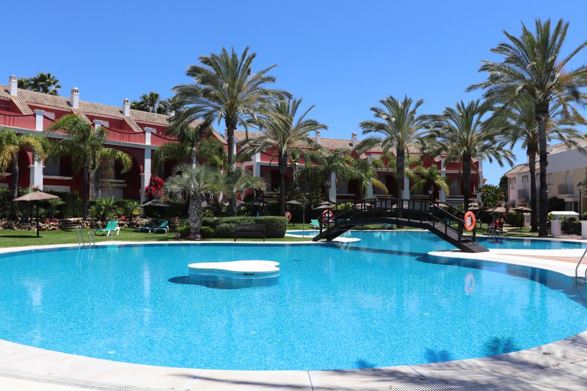 3 Bedroom Terraced Townhouse For Sale Bahía de Marbella