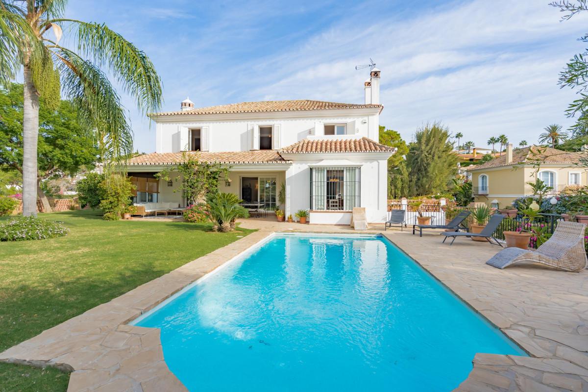 Detached Villa for sale in Elviria R2925290