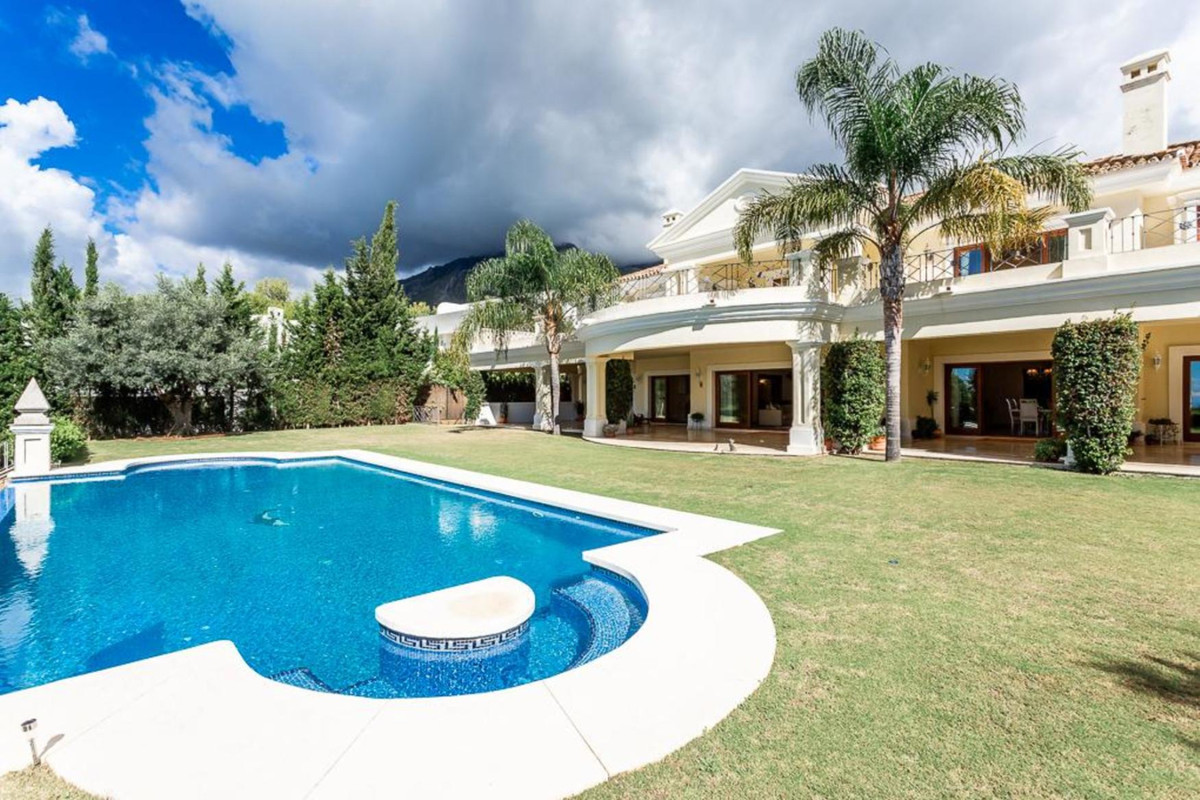 Villa · Sierra Blanca