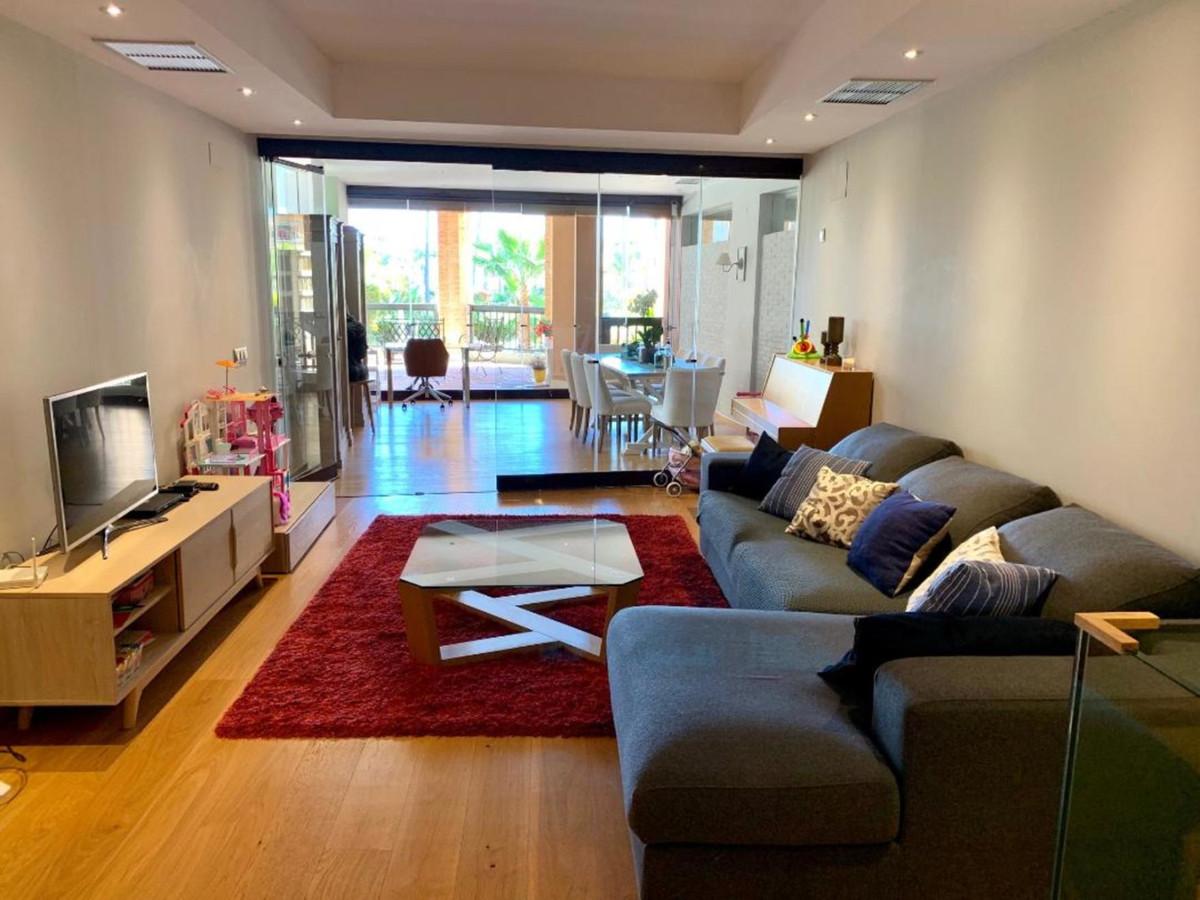 Apartment Ground Floor for sale in San Pedro de Alcántara, Costa del Sol