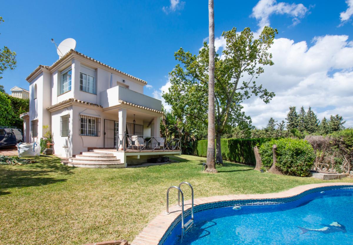 Villa Till salu i Nueva Andalucía R3418921