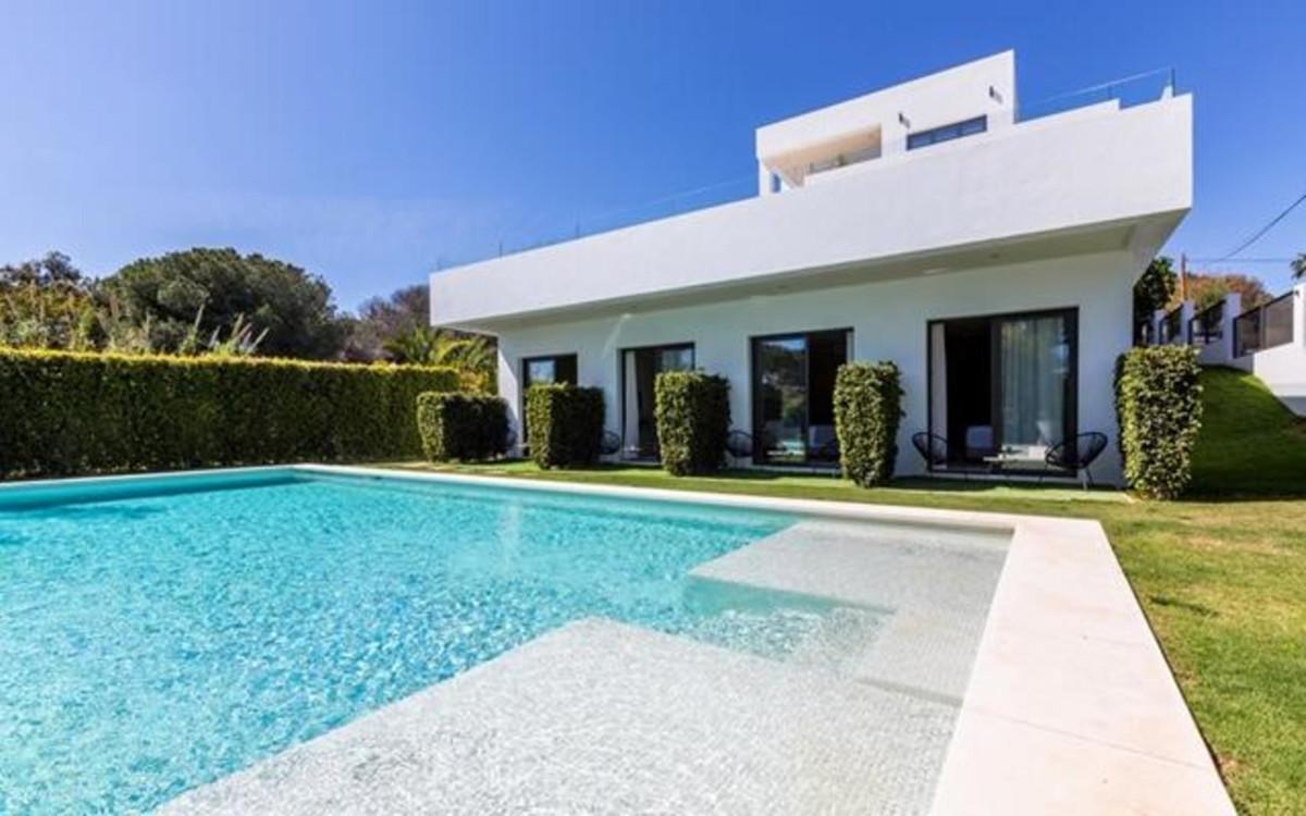 8 bedroom villa for sale elviria