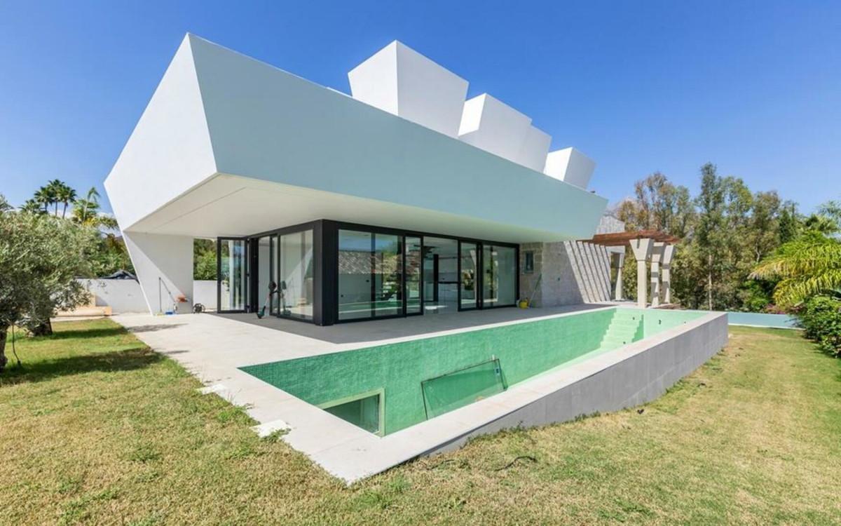 Villa Till salu i Nueva Andalucía R3436663