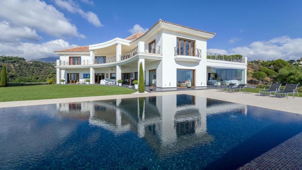 Detached Villa for sale in Benahavís R3351124