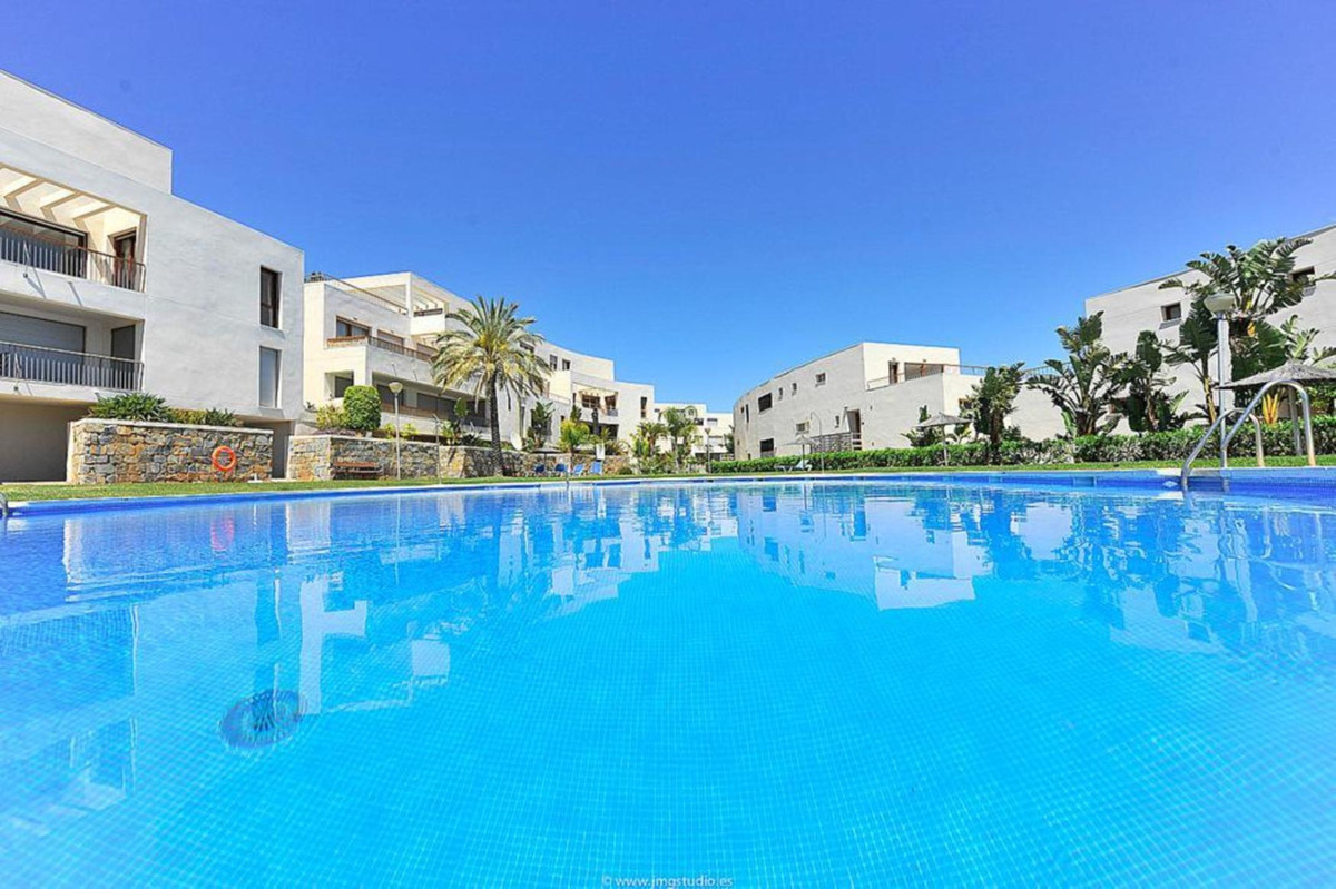 Beautiful spacious penthouse with panoramic views of the coast all the way to Africa. Beautiful loca,Spain