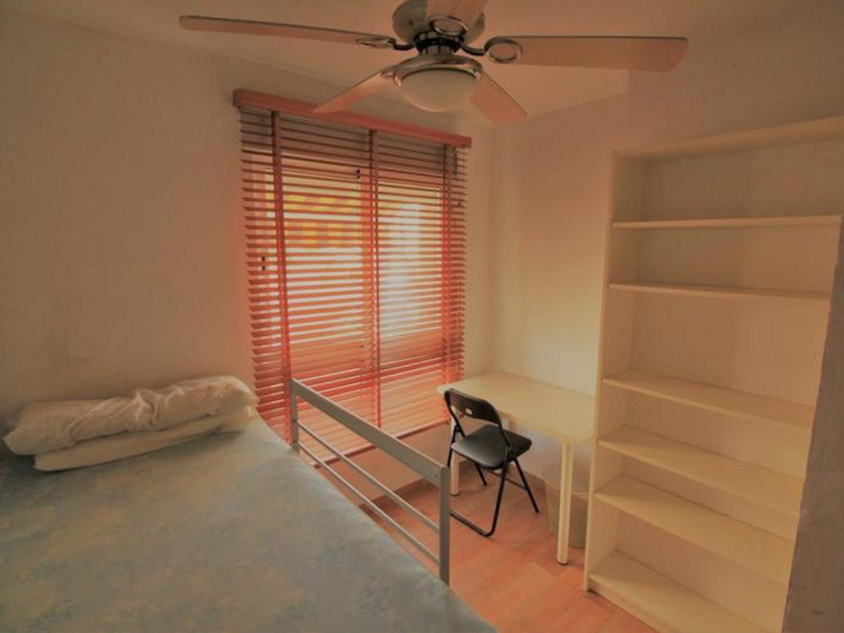 Middle Floor Apartment, Malaga Centro, Costa del Sol. 3 Bedrooms, 1 Bathroom, Built 109 m², Terrace ,Spain