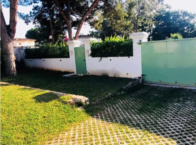 Villa Independiente en Artola, Costa del Sol