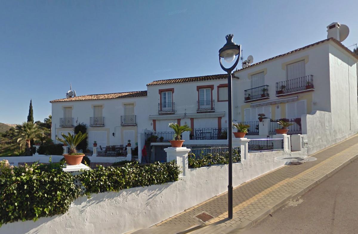 Townhouse, , Costa del Sol. 2 Bedrooms, 2 Bathrooms, Built 160 m², Terrace 20 m².  Setting : Close T,Spain
