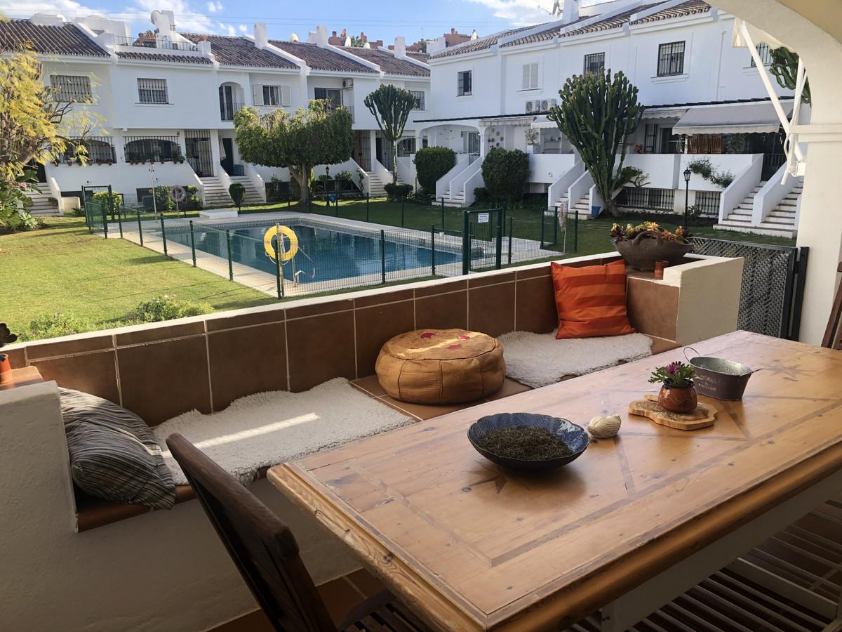 Geschakelde woning - Nueva Andalucía