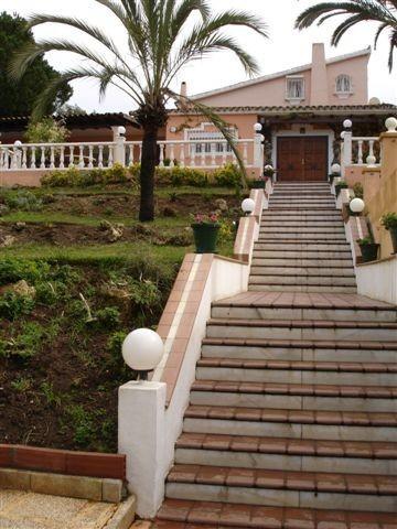 Detached Villa for sale in Elviria R3783256