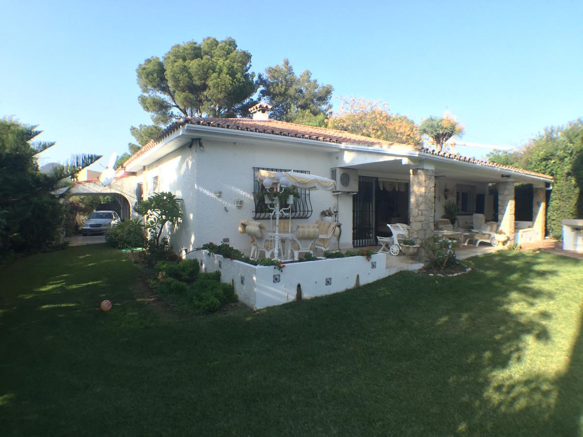 House en Atalaya R2548913 2