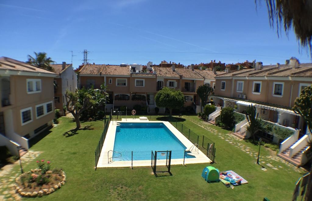 Semi-Detached House, Nueva Andalucia, Costa del Sol. 3 Bedrooms, 3 Bathrooms, Built 213 m², Terrace Spain