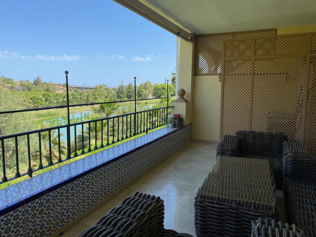 Apartamento, Planta Media  en venta   y en alquiler    en La Quinta
