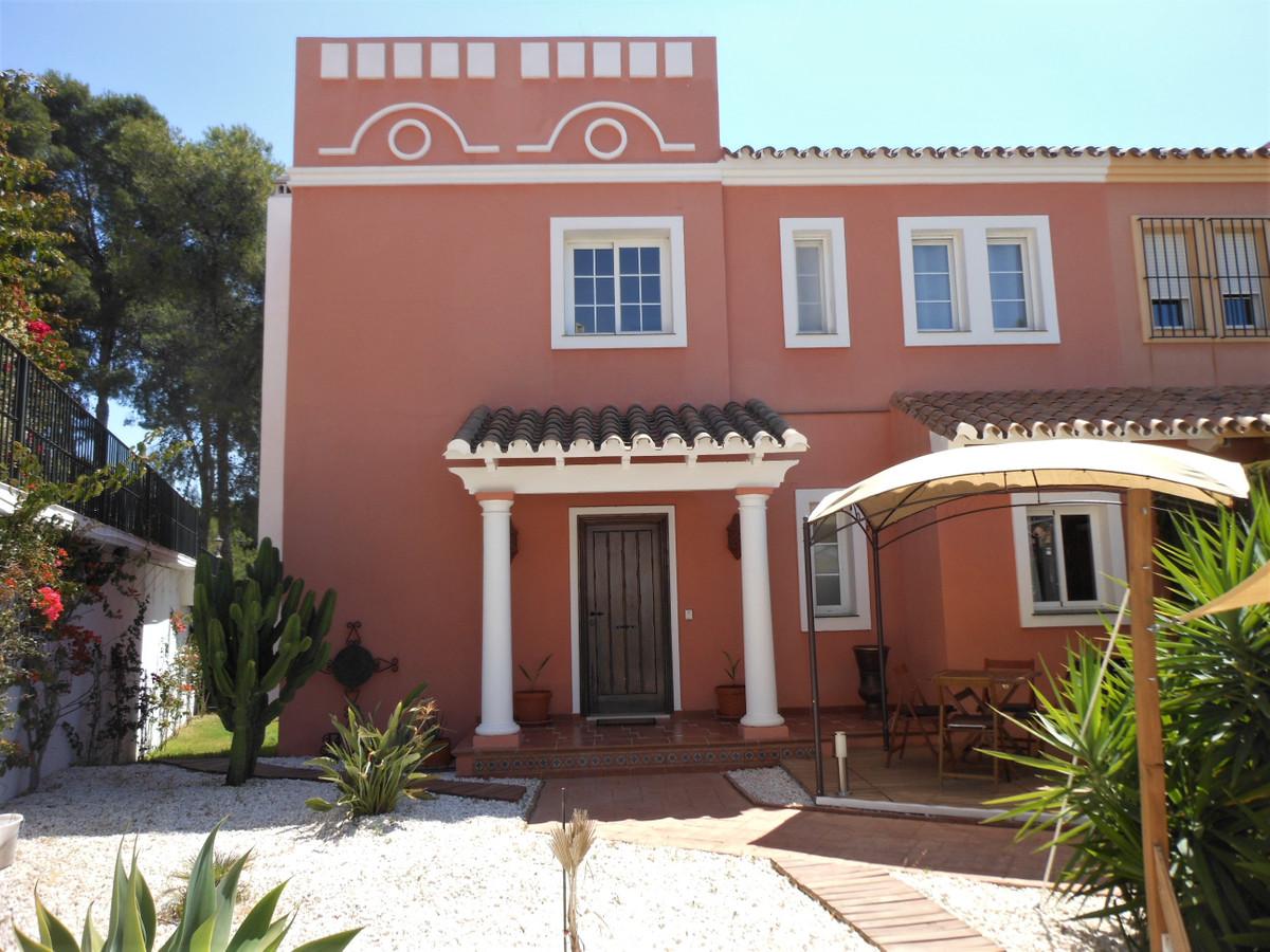 Villa  Semi Individuelle en vente   à Guadalmina Alta