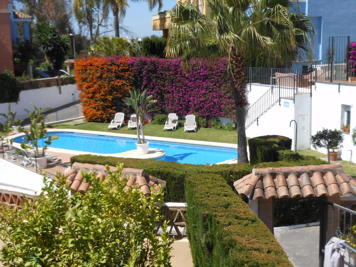 Semi-Detached House in Guadalmina Alta