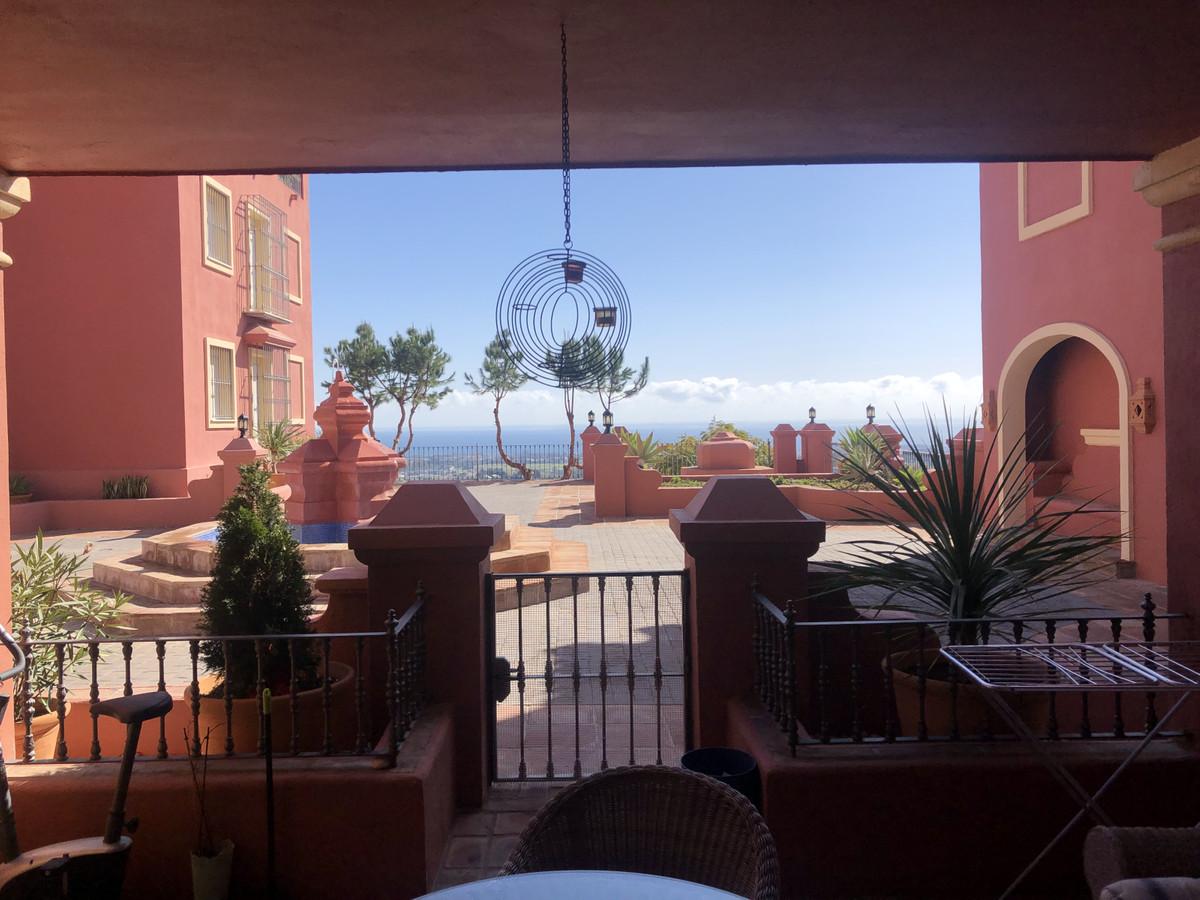 Ground Floor Apartment in Monte Halcones