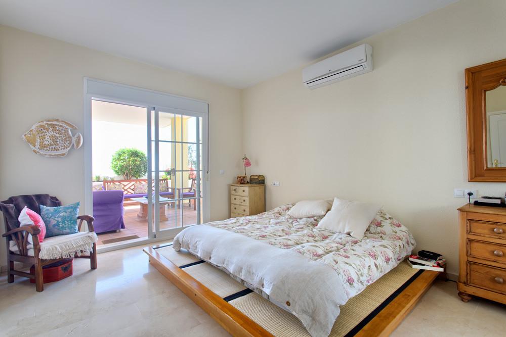 Villa to be reformed.  Located in the residential area of La Sierrezuela, Mijas, near Fuengirola.  L,Spain