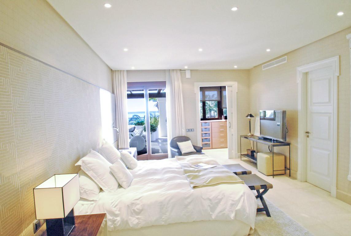 4 Bedroom Apartment For Sale, Los Monteros