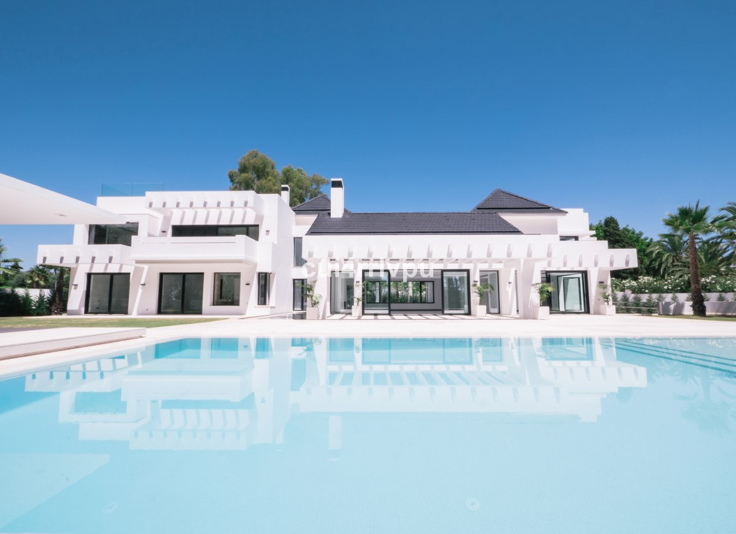 Detached Villa in Guadalmina Baja R2114546