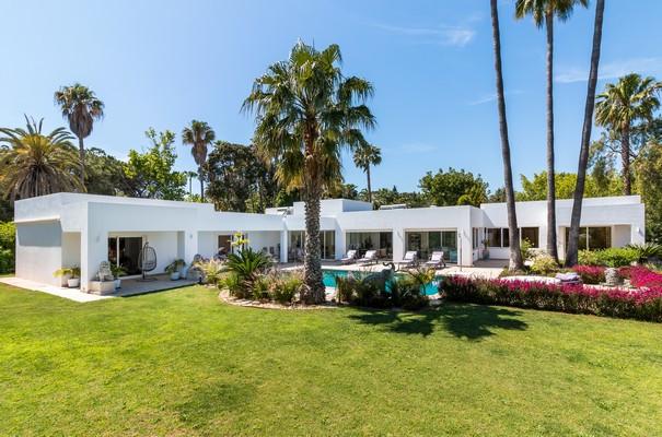 Detached Villa for sale in El Paraiso R3231139