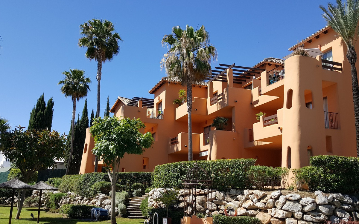 R3426781: Apartment - Penthouse in Estepona