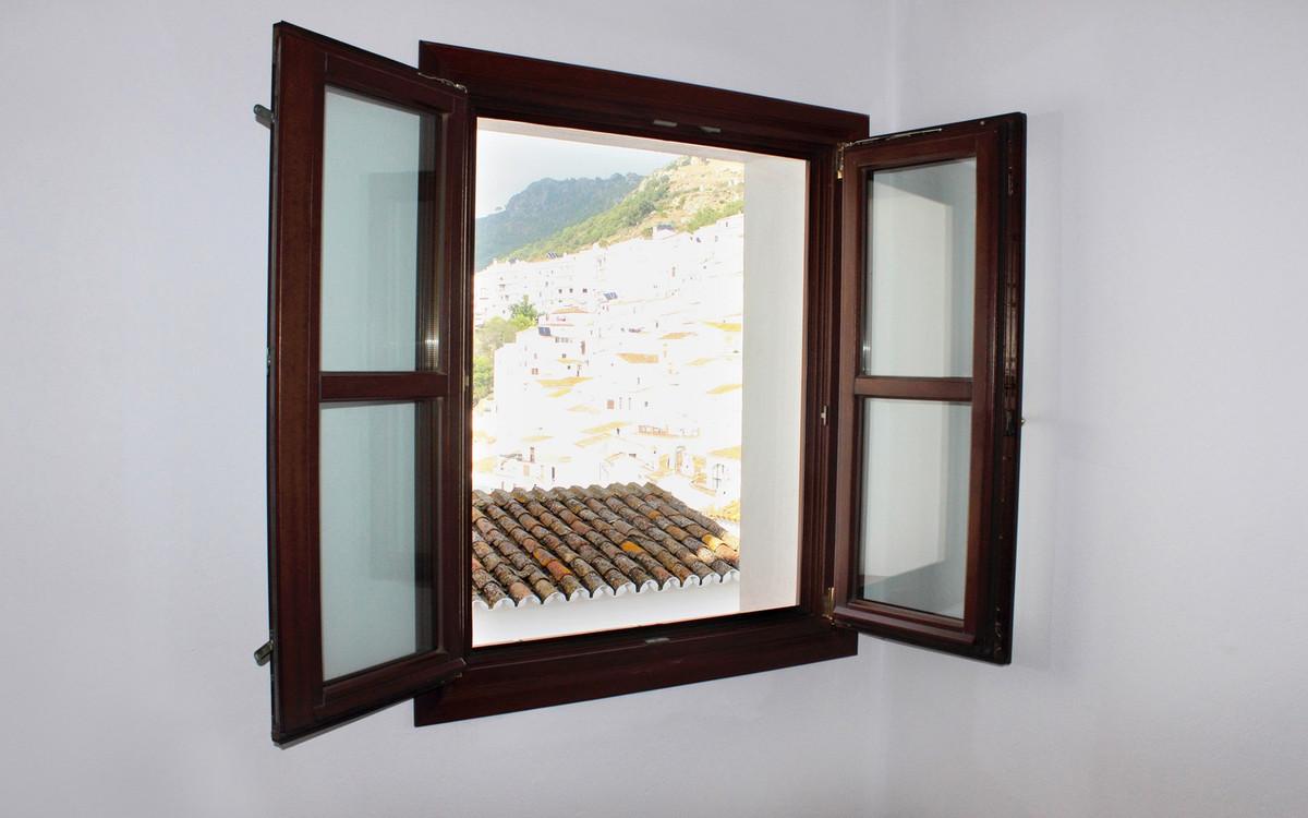 1 Bedroom Ground Floor Apartment For Sale Casares Pueblo