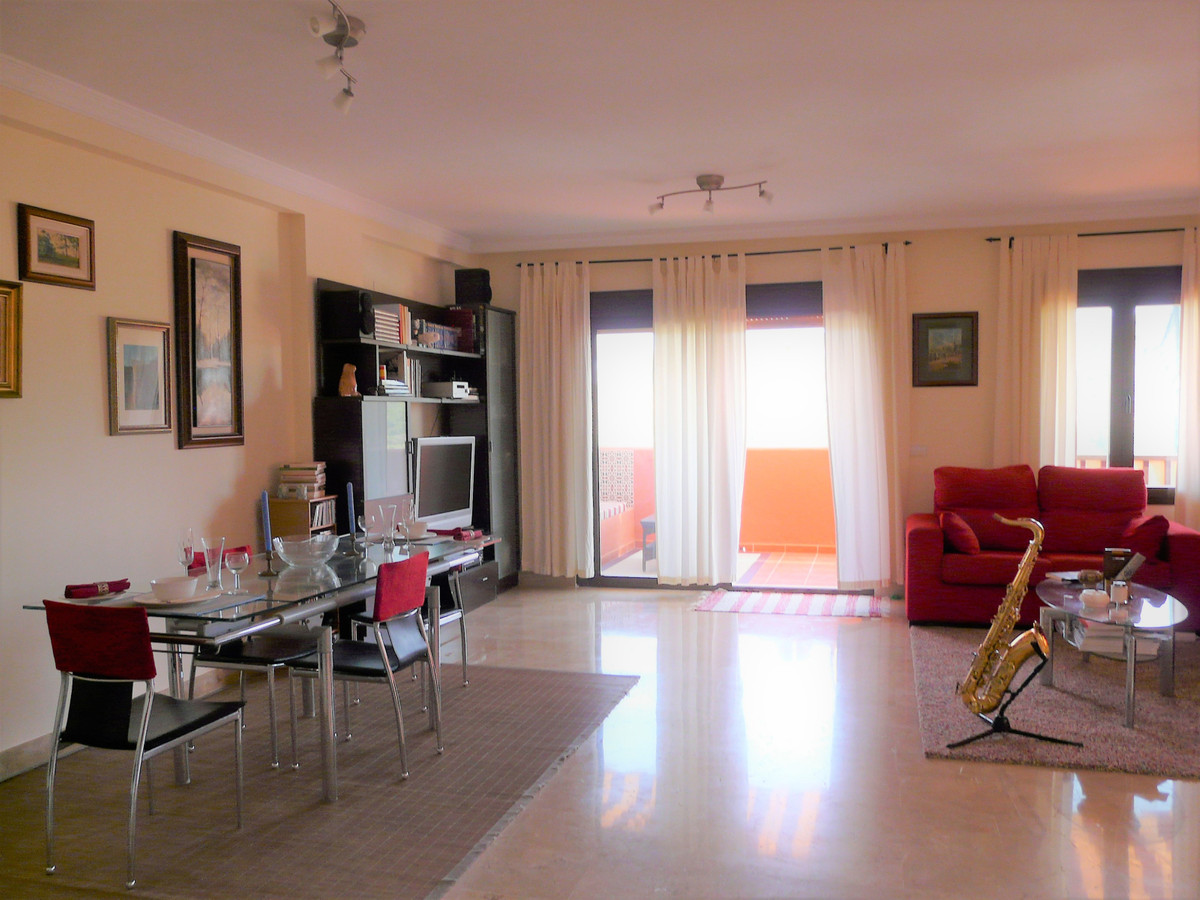 Ref:R3250363 Apartment - Penthouse For Sale in Estepona
