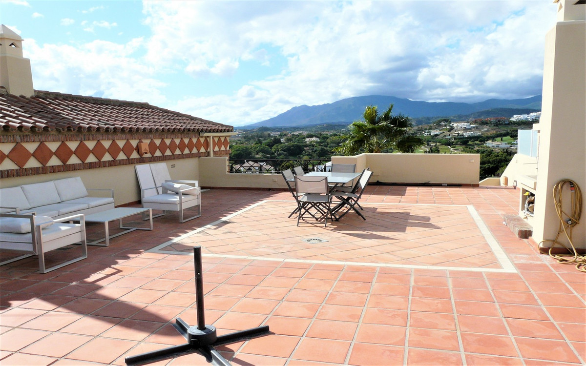 Ref:R3510520 Apartment - Penthouse For Sale in Estepona