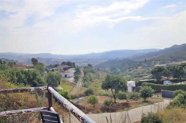 Ref:R3266140 Villa - Finca For Sale in Estepona