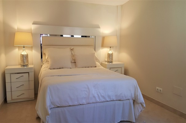 House in Estepona R3323182 12