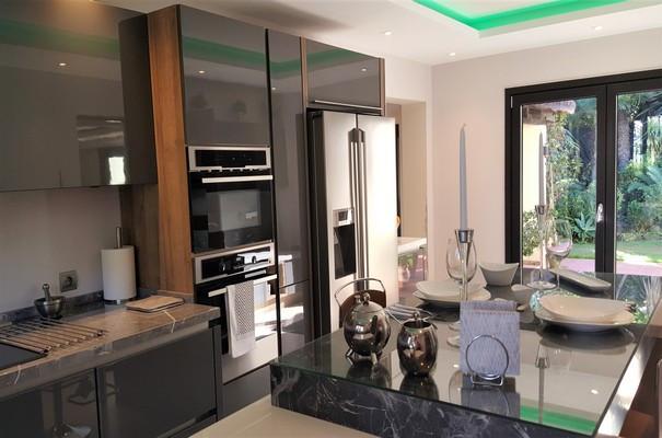 House in Estepona R3323182 8