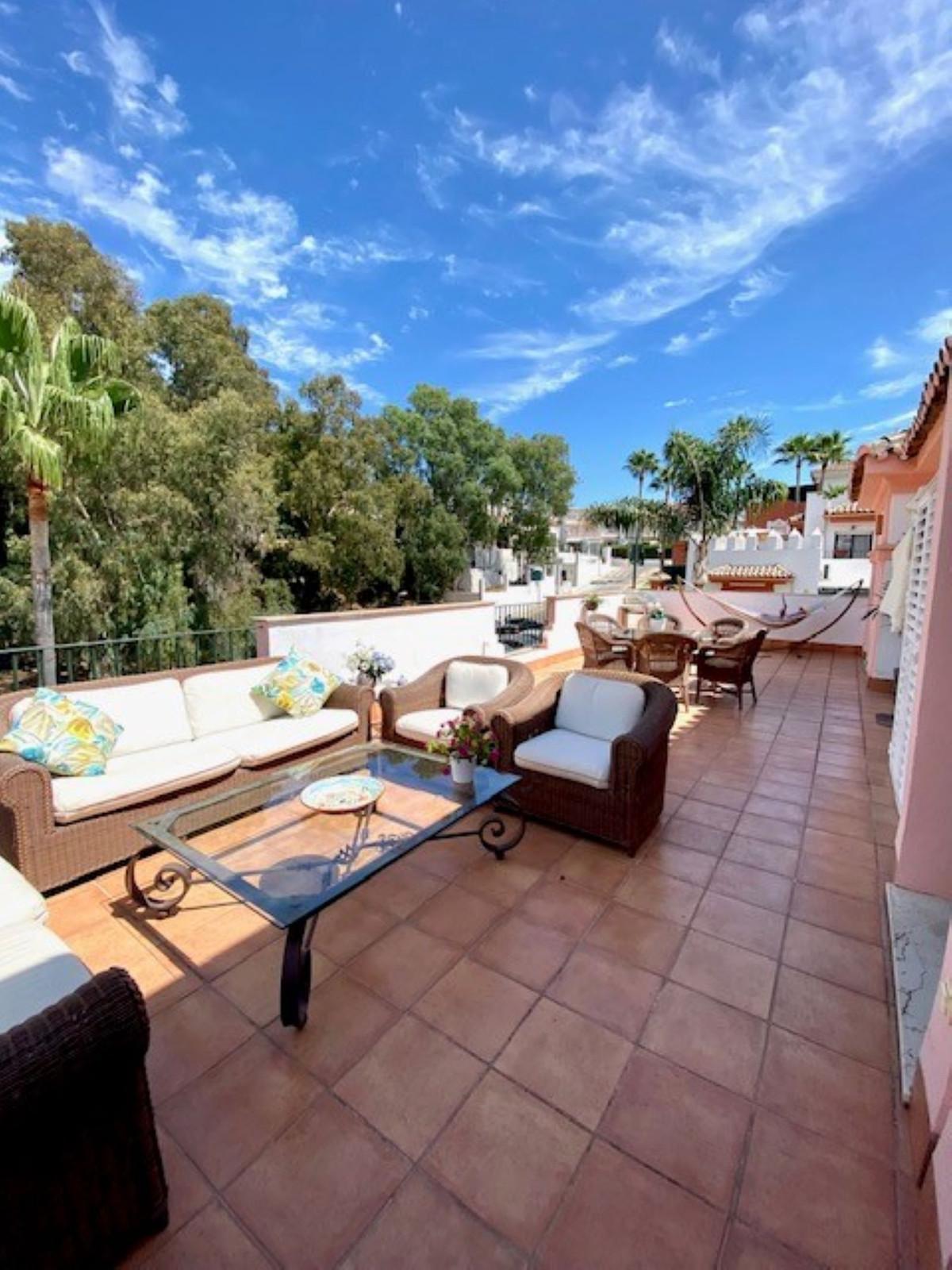 Apartamento  Ático en venta   en Estepona