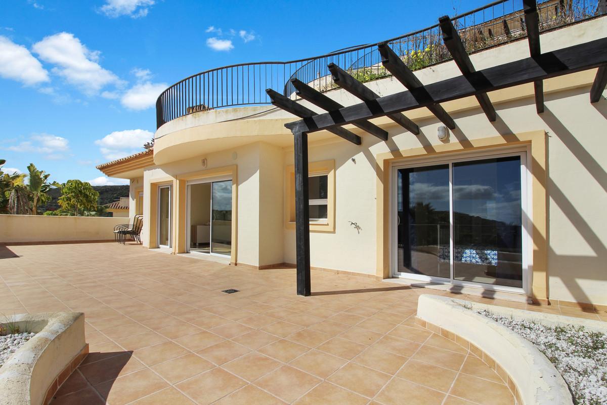 GREAT VALUE: 3 bed / 3 bath apartment in prestigious San Roque Golf Club. Built Area: 175m2 + Terrac,Spain